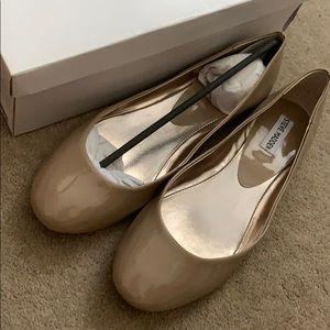 Steve Madden P-Heaven Taupe Tan flat shoe 11